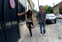 On oblige Jacqueline a offrir On oblige Jacqueline a offrir oblige jacqueline offrir petite culotte inconnu rue vid 01 210x142