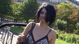Une belle poupée toulousaine sous le soleil de paris
